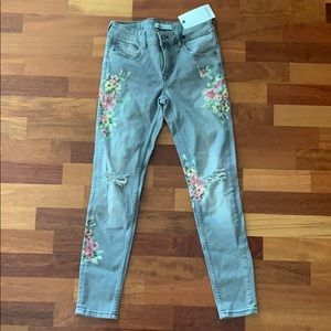 New with tags Zara flower printed jeans
